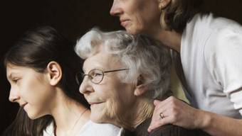 Werden wir tatsächlich älter, als es unsere Grosseltern wurden? Es gibt einige Argumente, die dagegen sprechen – nicht nur der Tabakkonsum. Foto: Getty Images
