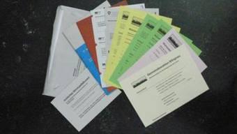 Wahlunterlagen: Rechts das umstrittene Flugblatt der CVP. Angelo Zambelli