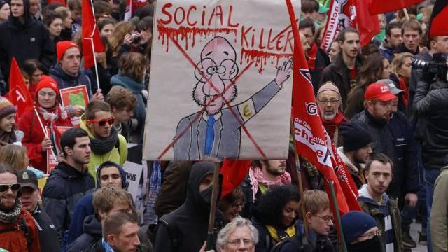 Tausende gehen in Brüssel auf die Strasse