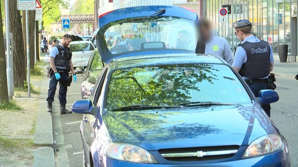Linksradikale Autodemo: Hat die Polizei zu milde reagiert?
