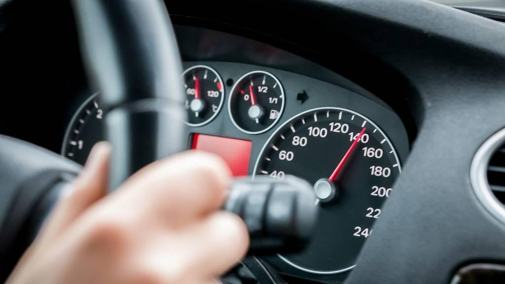 Deutscher mit 80 Stundenkilometern zu viel auf der Autobahn