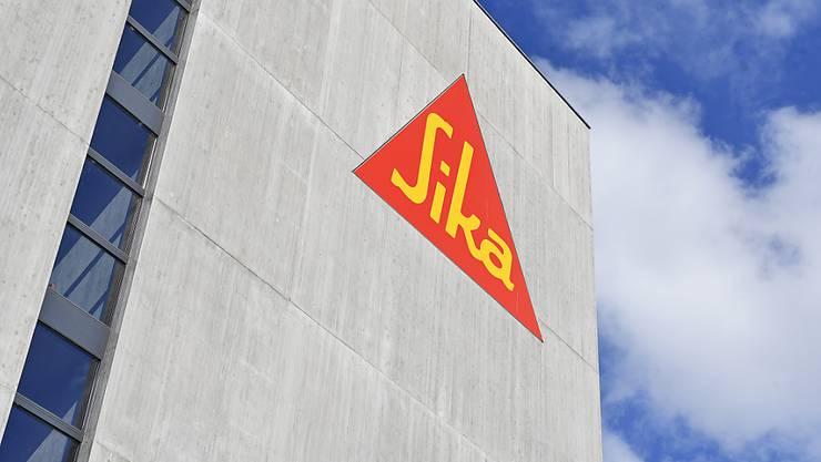 Der Bauchemiekonzern Sika setzt seine Rekordjagd fort, verfehlte aber im ersten Halbjahr beim Gewinn die Marktprognosen.