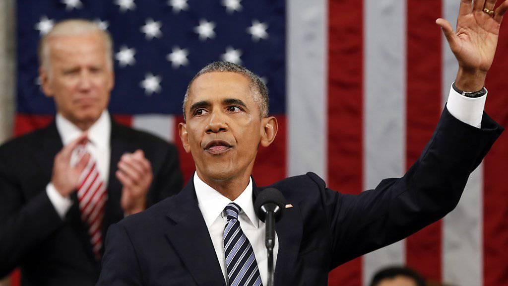 Zum letzten Mal wandte sich US-Präsident Obama in seiner Rede zur Lage der Situation an den US-Kongress. Im Hintergrund klatscht Vizepräsident Joe Biden.