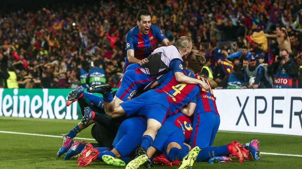 Barcelona feiert den 6:1-Sieg.