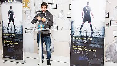 FCZ-Spieler Oliver Buff bei der Auslosung der Gruppen des Nike Premier Cups