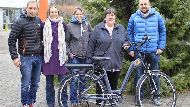 Daniel Ziegler, VEBO, Jeanine Riesen, so!mobil, Nadine Roth, Gewinnerin Christine Roth, Andreas Affolter, Gemeinde Oensingen
