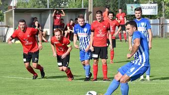 Mit dem verwandelten Penalty in der 23. Minute schiesst Blerim Bekteshi den FC Olten in den Schweizer Cup.
