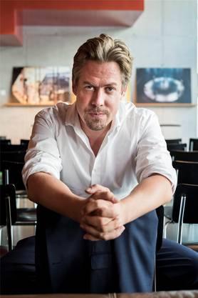 Benedikt von Peter wird Direktor des Theaters Basel. Kenneth Nars