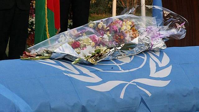 Sarg mit einem der getöteten UNO-Mitarbeiter