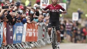 Egan Bernal lässt auf dem Weg auf den Col de Beyrede alle Konkurrenten stehen