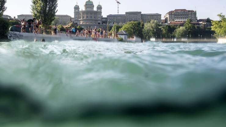 Die Aare bei Bern ist weiterhum zum Baden beliebt.