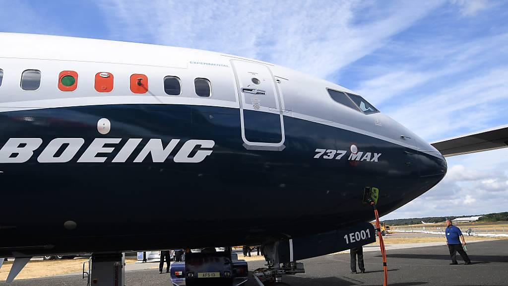 Die Untersuchungen über den Absturz zweier Boeing 737 Max dauern an. Die US-Aufsichtsbehörde FAA steht dabei unter grossem Druck. Ihr wird vorgeworfen, die Maschinen nicht gründlich genug geprüft zu haben. (Archivbild)