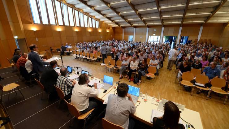 Gemeindeversammlung Münchenstein entscheidet über Einführung eines Einwohnerrates.