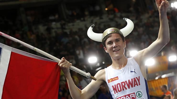 Jakob Ingebrigtsen springt über 1500 m für seine Brüder in die Bresche und gewinnt Gold
