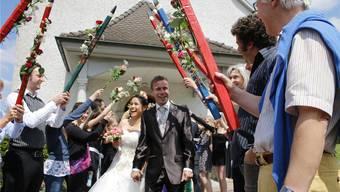 Jacqueline und Oliver aus Villmergen gewannen den Hochzeitswettbewerb 2014.
