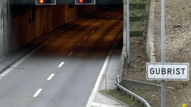 Gleich drei Unfälle im Gubrist-Tunnel (Symbolbild)