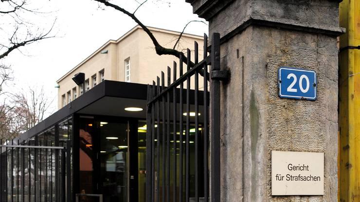 Wer trägt bei notorischen Klägern die Verfahrenskosten? Das ist im Basler Justizsystem umstritten.