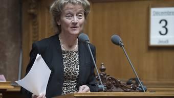 Finanzministerin Eveline Widmer-Schlumpf im ersten Teil der Budgetdebatte im Nationalrat. Die umstrittenen Themen kommen erst am Montag aufs Tapet.