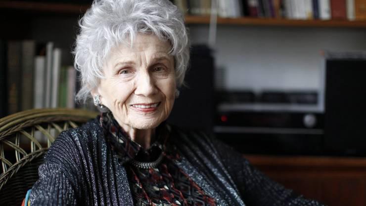 Mit ihren Kurzgeschichten war die Kanadierin (Jahrgang 1931) vor allem Insidern und sehr eifrigen Leseratten ein Begriff. Die Aufmerksamkeit durch den Nobelpreis dürfte ihre Leserschaft und ihren Fankreis – zumindest im Moment - vergrössert haben.