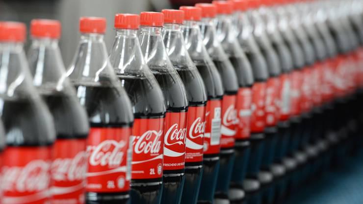 Der Coca-Cola-Konzern senkt den Zuckergehalt in Fanta- und Sprite-Getränken in Grossbritannien.