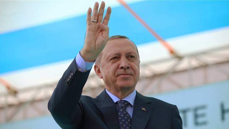 Recep Erdogan. Reicht sein Arm bis in den Kanton Solothurn?