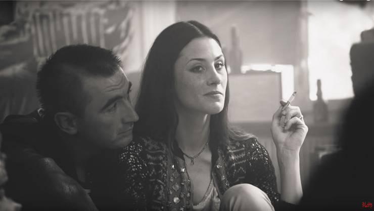 Olivia Lina Gasche als «Mutter und Ernährerin» Judith, zusammen mit Lebenspartner Fitim (gespielt von Samir Klipic).