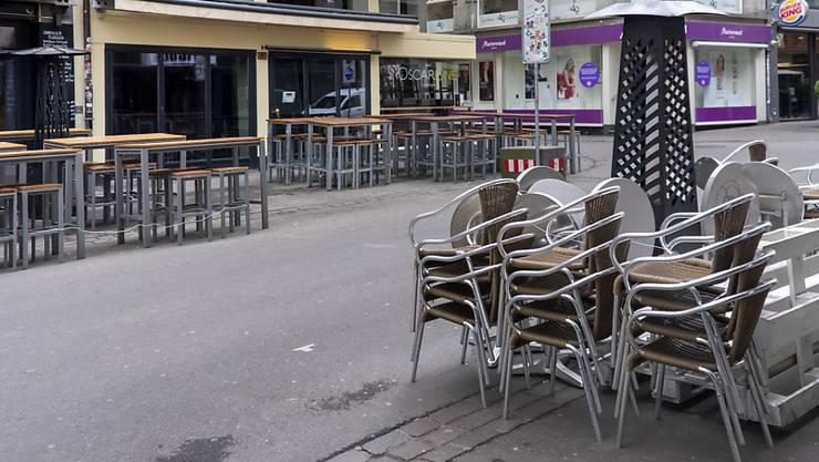 Wegen der Coronakrise geschlossene Restaurants in der Steinenvorstadt im April 2020.
