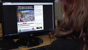 Angela Mattli von der Gesellschaft für bedrohte Völker bezeichnet das Wahlplakat als Hetze gegen Roma.