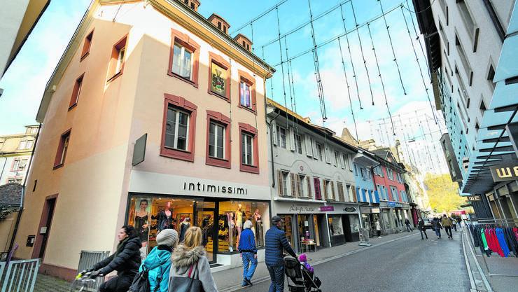 Vier Häuser an der Badstrasse und am Brenntweg gehören jetzt der Pensionskasse der SBB. Das Eckhaus hinten ist noch im Besitz von Köpfli.