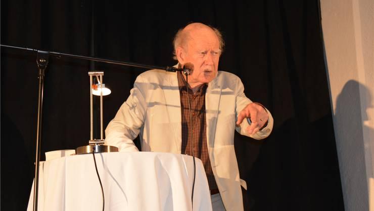 Franz Hohler lockte rund 150 Gäste in die Wohlenschwiler Kirche.