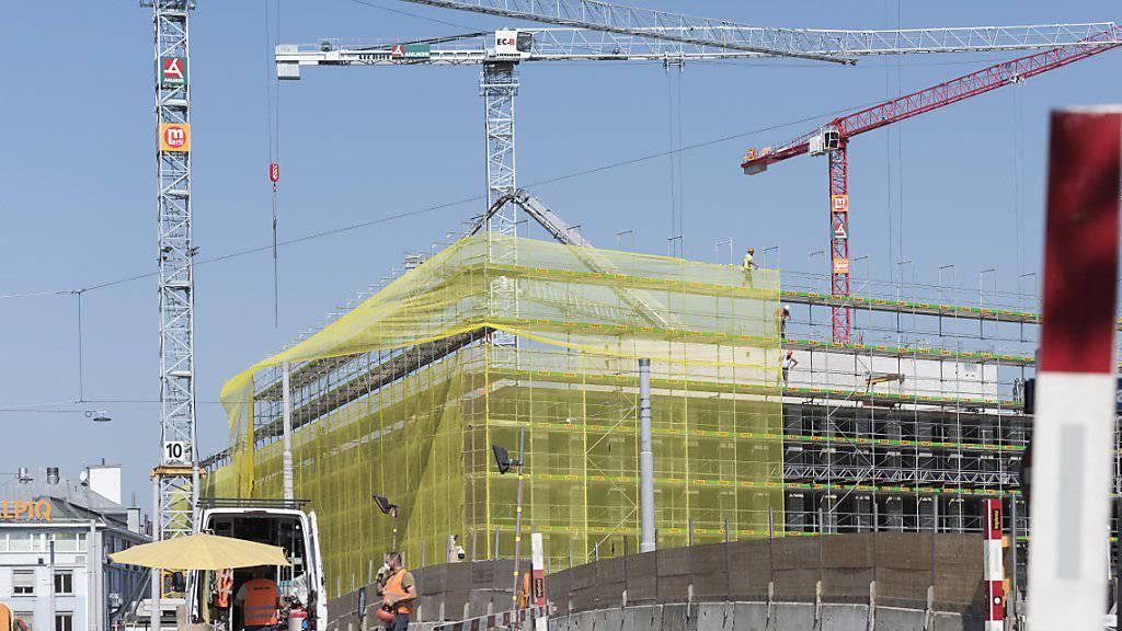 Der Boom auf dem Bau ist vorbei: Die Umsätze im Baugewerbe sind im ersten Halbjahr um 1,1 Prozent gesunken. (Archiv)