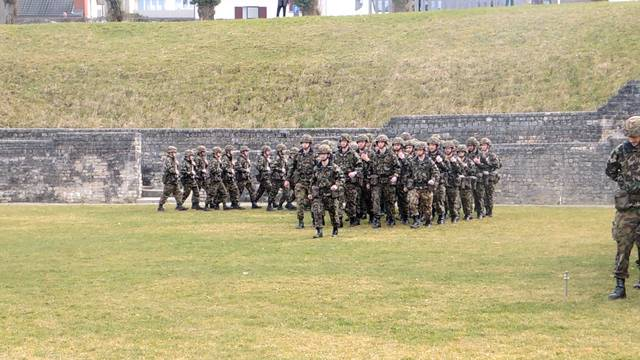 Die Militär-Zeremonie im Windischer Amphitheater.