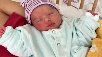 Ein besonderes Baby, denn Nejla ist das erste Baby das 2021 in der Schweiz geboren wurde.