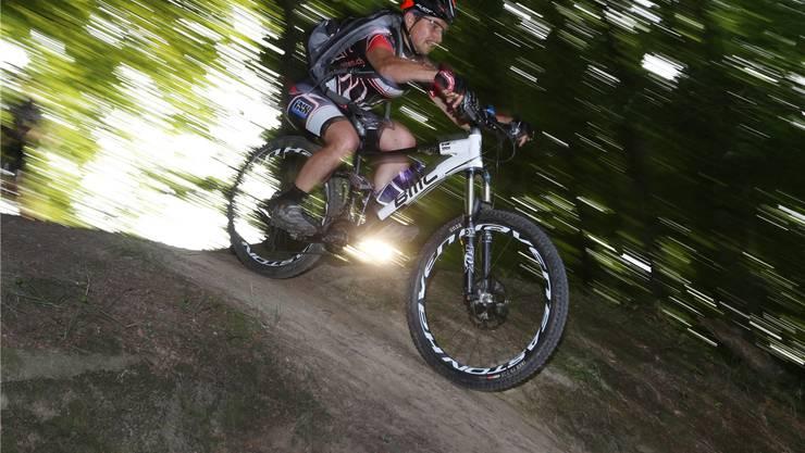 Es ist verboten, abseits der Wege im Wald zu biken. Einige Gemeinden stellen aber Bike-Trails zur Verfügung. (Symbolbild)