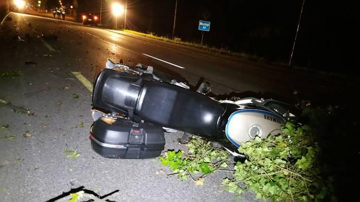 Der Motorradfahrer war gegen 22.30 Uhr von Stein in Richtung Mumpf, wo es zur Kollision kam.