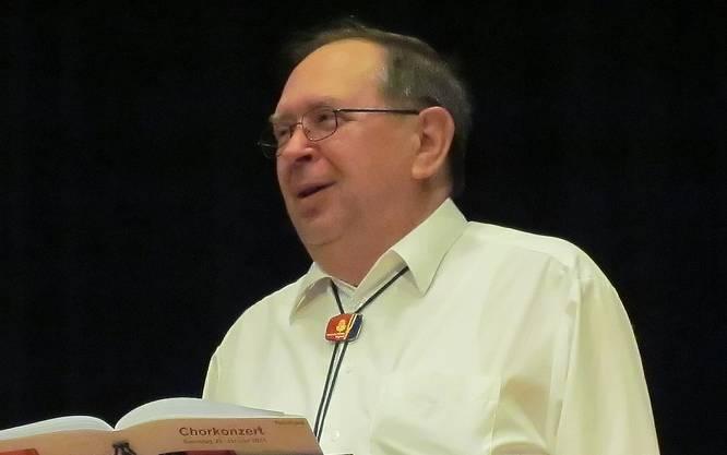 Mit offensichtlichem Vergnüngen präsentierte Reinhard Schäuble die Welturaufführung der von ihm getexteten Mägenwiler Hymne