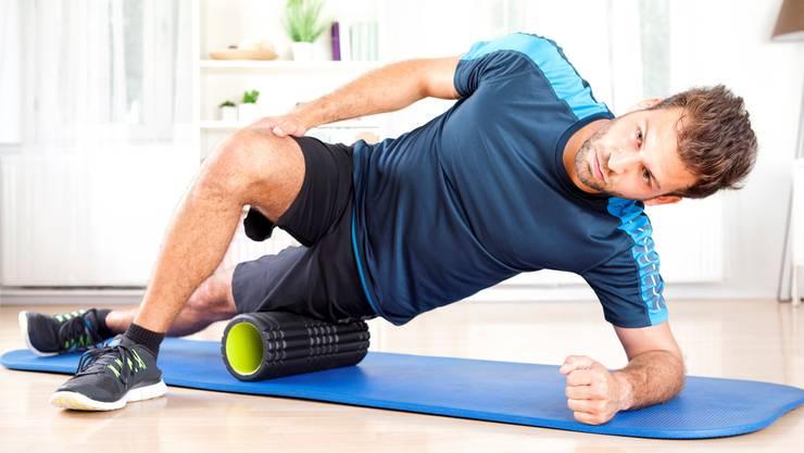 Ein spezifisches Faszientraining ist nicht unbedingt von Nöten, denn praktisch jede sportliche Betätigung geht mit Faszientraining einher.