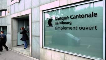 """Zeitschrift """"Bilan"""" sieht die Freiburger Kantonalbank auf Platz 1 (Archiv)"""