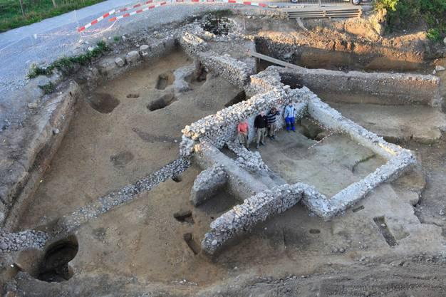 An der Zürcherstrasse stiessen die Archäologen ausserdem auf mannshohe römische Mauern.