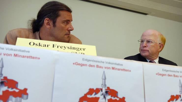 Die Nationalräte Oskar Freysinger und Ulrich Schlüer, beide SVP, lancieren die «Minarett-Initiative»