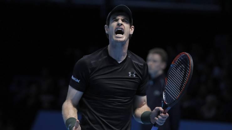 Der Lokalmatador besiegt im Final den Serben Novak Djokovic 6:3, 6:4 und schliesst das Jahr als Weltnummer 1 ab.