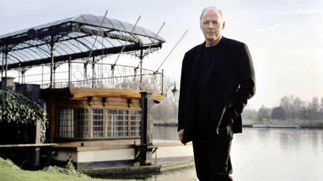 Pink Floyd-Gründer David Gilmour vor seinem Hausboot an der Themse. Foto: Keystone