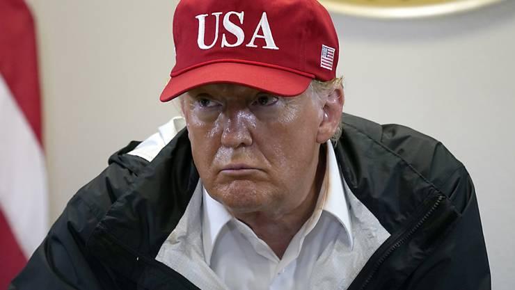 Donald Trump, Präsident der USA, spricht während eines Briefings über den Hurrikan Laura. Foto: Alex Brandon/AP/dpa