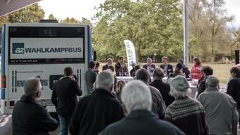 Vierte Station: 50 Besucher kamen zum az-Wahlkampfbus in Bad Zurzach.