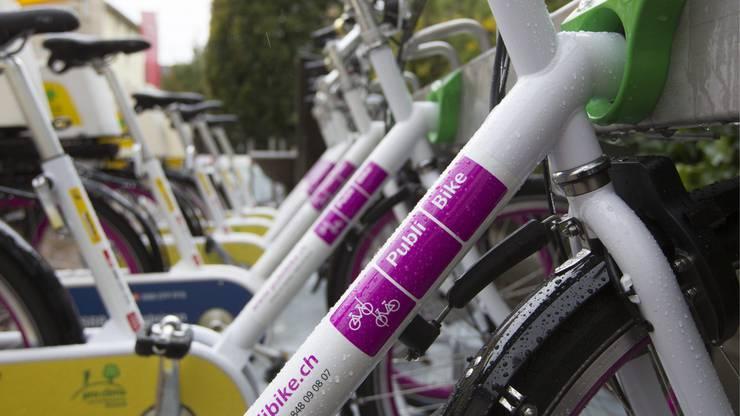 2011 eröffneten PostAuto, SBB und Rent a Bike in vier Schweizer Städten die ersten PubliBike-Stationen. PubliBike bietet Velos und E-Bikes zur Selbstausleihe an und ergänzte so die letzte Meile in der Reisekette.