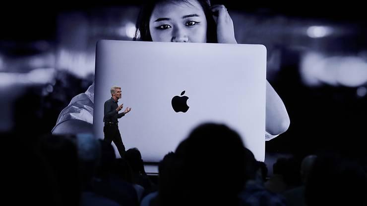 Einen Fokus setzt Apple weiterhin auf den Datenschutz. So bekommen Nutzer die Möglichkeit, ihren Aufenthaltsort auch nur einmal mit einer App zu teilen - bisher kann man nur der permanenten Nutzung von Ortsdaten bei aktiver Anwendung zustimmen.
