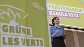 Als Präsidentin wiedergewählt: Regula Rytz spricht an der Delegiertenversammlung der Grünen in Olten.