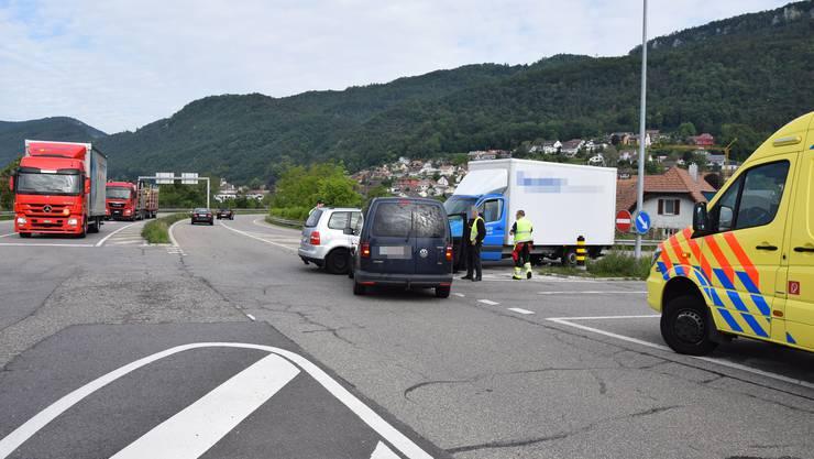 Zum Unfall kam es beim Abbiegen von der Expressstrasse in Richtung Autobahnzubringer.
