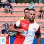 Loic Chatton und der FC Solothurn müssen gegen Baden einmal mehr tauchen - den Spitzenkampf verlieren sie auswärts mit 0:2.