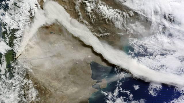 Satellitenaufnahme der Rauchfahne über dem Vulkan in Chile